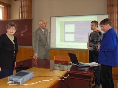 На семинаре лаборатории ФМЯ