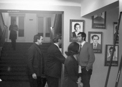 Подготовка выставки к празднованию 250-ию Академии наук СССР