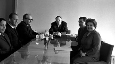 Л.В. Киренский в своем кабинете
