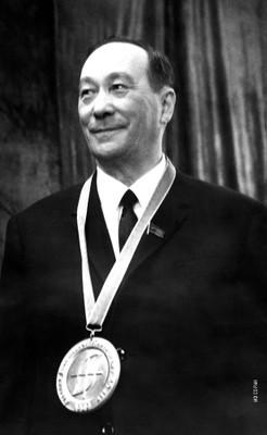 Л.В. Киренский на юбилее, 1969 год
