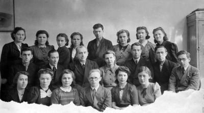 Студенты 4-го курса пединститута