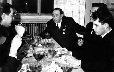 В день вручения Золотой Звезды Героя Социалистического Труда