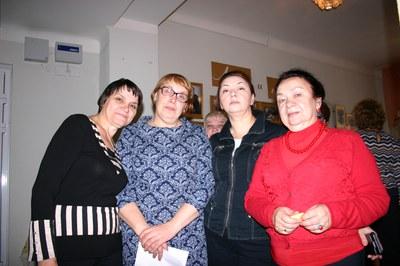 На празднике в честь 60-летия  ИФ СО РАН